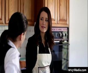 maman vs fils porno