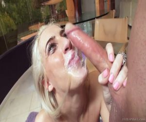 femme qui se fait jouir salope suce bite